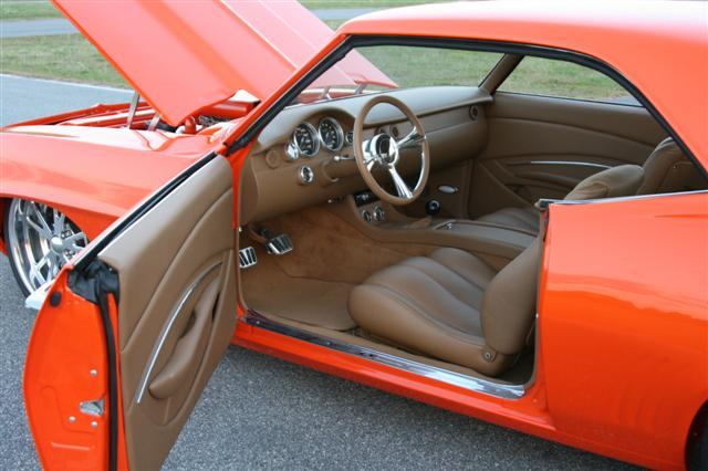 Scott whidby 39 s 1969 camaro custom leather interior for Dash designs car interior shop